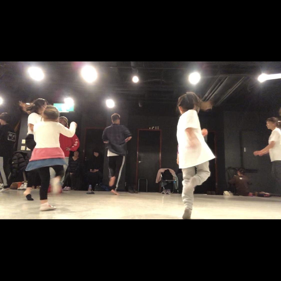 ダンス講座 入門編 9 | 片足ターン ピルエット 顔のアイソレ やり方