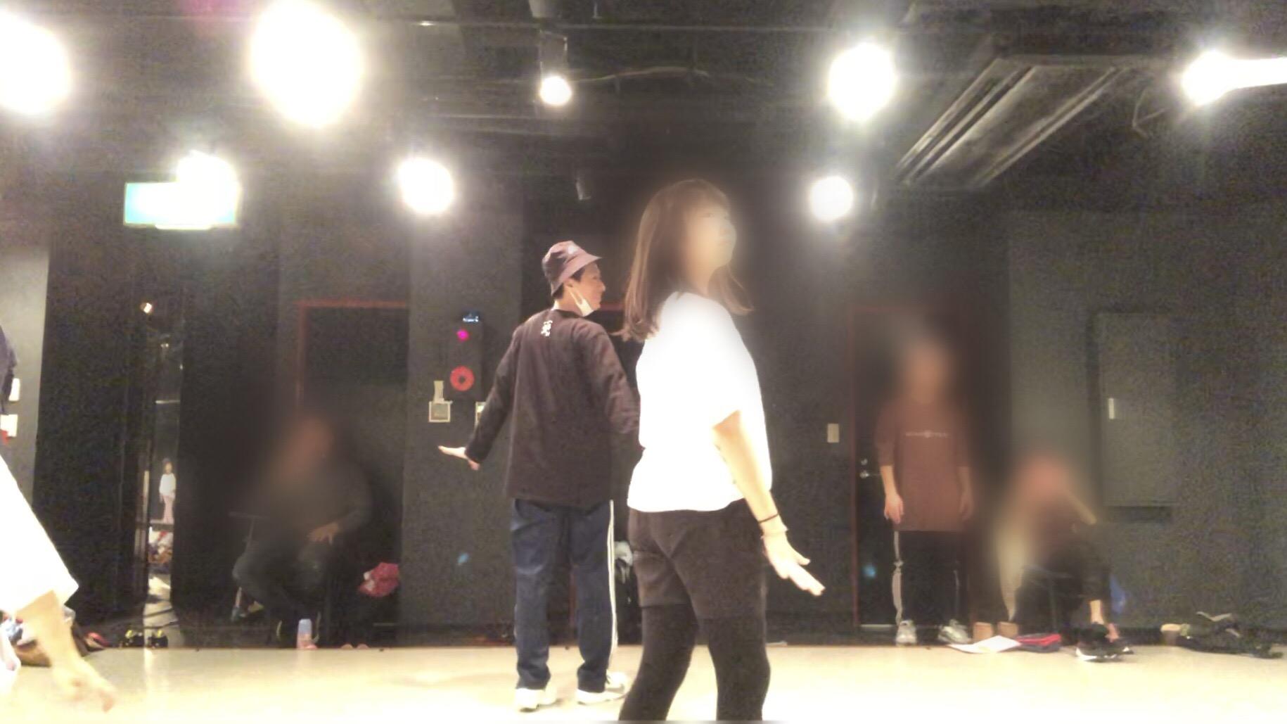 ダンス講座 入門編 10.11 | 片足ターン 肩のアイソレーション やり方