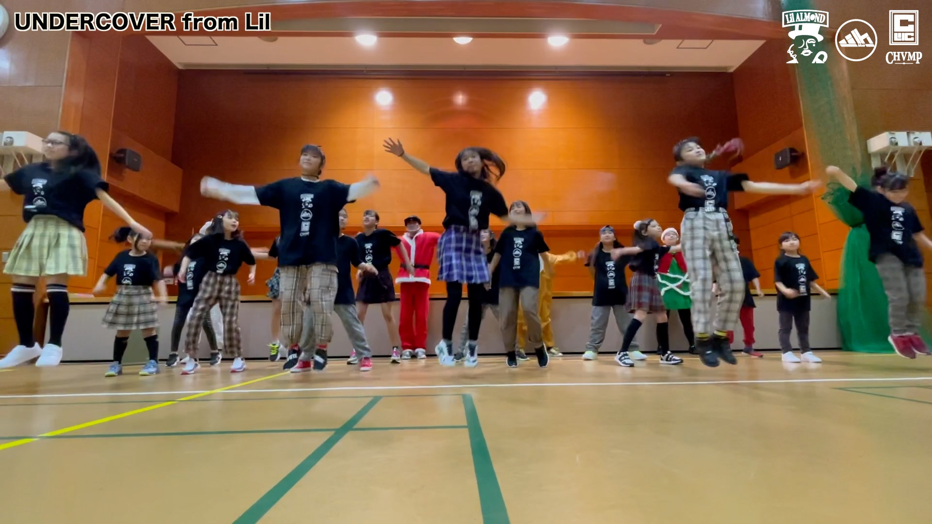 戸塚区 キッズダンス   UNDERCOVER From Lil クリスマス会